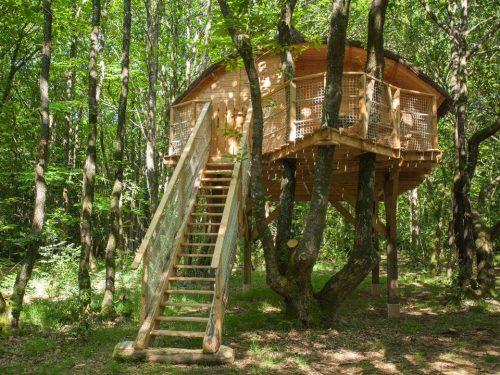 Cabane dans les arbres domaine-treuscoat